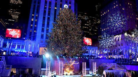 nbc christmas tree lighting 2017 in photos rockefeller center 39 s 85th annual christmas tree