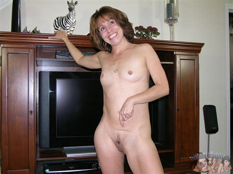Amateur Milf Sage Gets Naked And Shows You Her Pussy
