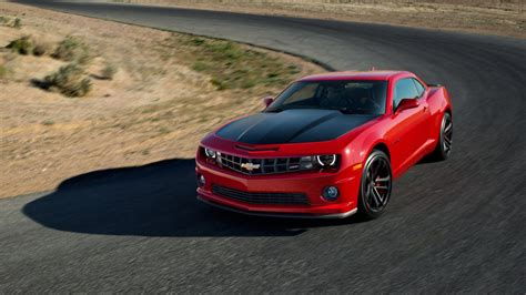 2013 Camaro Ss 1le Vs 2013 Mustang Gt Track Pack