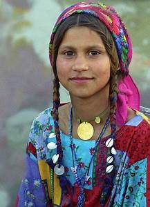 Roma gypsy girl, Romania. The Roma are a truly fascinating ...
