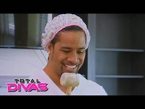 Jimmy Uso tests out his comedy routine on Naomi and her dad: Total Divas: September 15, 2015