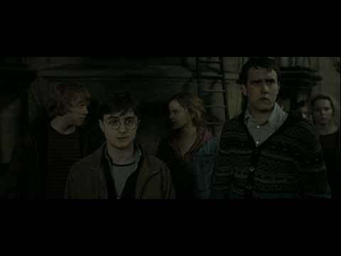 Harry Potter and the Deathly Hallows - Part 2 (Back to Hogwarts Scene - HD)