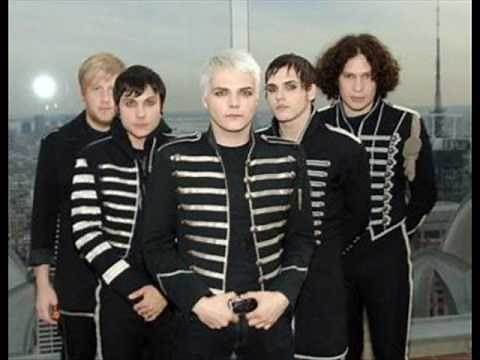My Chemical Romance - Welcome To The Black Parade Lyrics