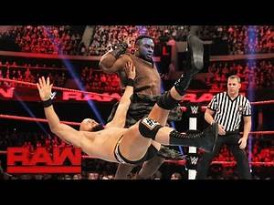 The New Day vs. Luke Gallows & Karl Anderson: Raw, Nov. 7, 2016
