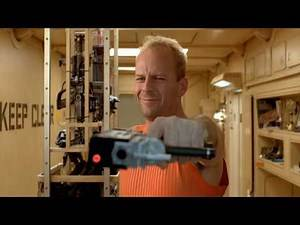 The FIfth Element - Not Loaded [FUNNY MOVIE SCENE] (HD 1080p)