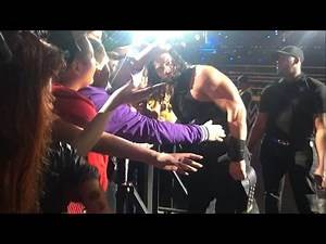 Roman Reigns with fans - WWE Live Mexico City 2016