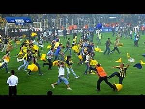 THE CRAZIEST FAN FIGHTS IN FOOTBALL HISTORY!!