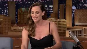 "Jennifer Garner Jokes She Might Get Her ""Ribs Removed"" After Her Oscars Dress Made It Difficult to Breathe"