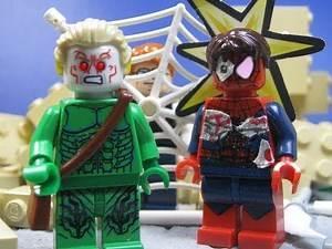 Lego Spiderman vs Green Goblin 2