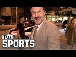 DAVID ARQUETTE Hey Gronk ... I'LL BE YOUR WWE MANAGER! | TMZ Sports