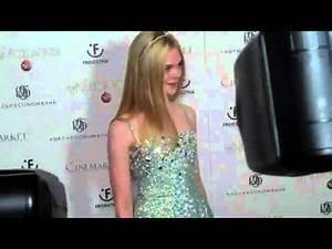 Elle Fanning's crazy red carpet experience at the Nutcracker 3D premiere!