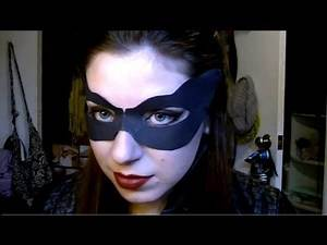 Anne Hathaway Catwoman Makeup & Hair in The Dark Knight Rises