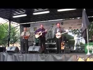 Foggy Moutain Breakdown- James Alan Shelton and Friends 8/16/13