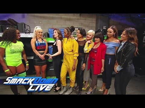 "Alison Brie and the cast of ""GLOW"" meet Naomi and Lana: SmackDown LIVE, June 26, 2018"