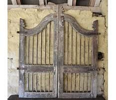 Antique wooden garden gates Video