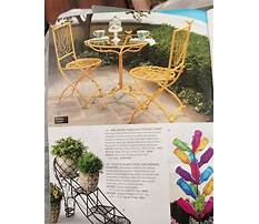 Bird table and chairs Video