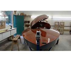 Building absolut a saucy little wooden race boat Video