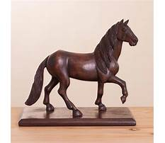 Carving a horse from wood Video