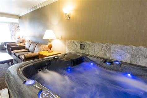 HD wallpapers hotels with hot tub in room