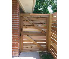 How to build a gate with horizontal slats Video
