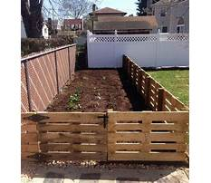 How to build a wood pallet fence Video