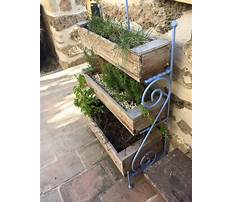How to build a wood pallet garden Video