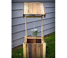 How to build a wood pallet well house Video