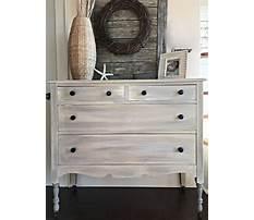 Painting a wood dresser grey.aspx Video