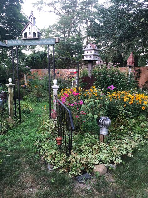 Primitive Country Gardens