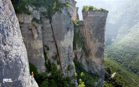 Rock Climbing Desktop