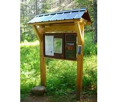 Wooden outdoor information kiosk Video
