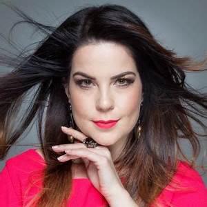 Camila Titinger