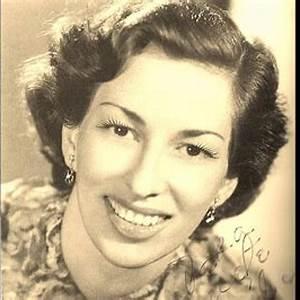 Carmelia Alves