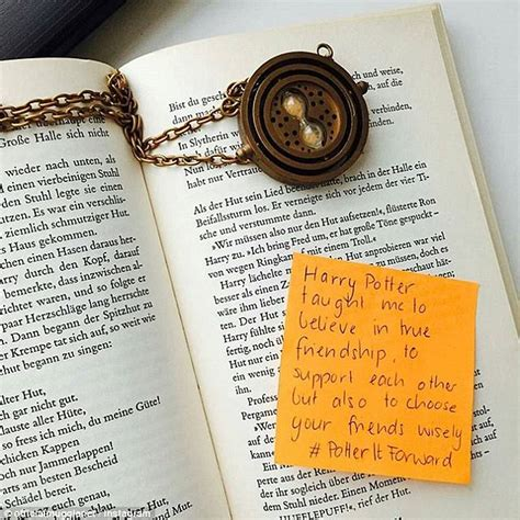 harry potter fans hide inspiring notes  jk rowlings