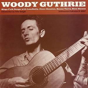 Woody Guthrie Sings Folks Songs
